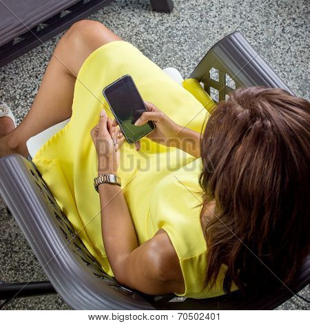Girl In A Yellow Dress Sends Sms