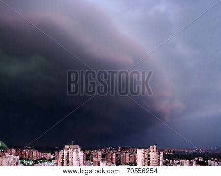 Storm cloud approaching