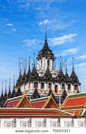 Thai Architecture, The Metallic Temple