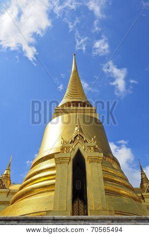 Phra Sri Ratana Chedi Coverd With Foil Gold