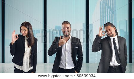 Businesspeople come to an agreement