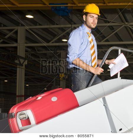 Inspecten A Baggage Handling Line