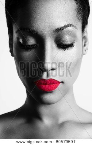 Bw Portrait Of A Woman With A Colored Lips