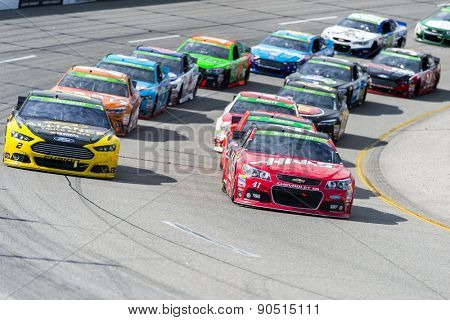 Richmond, VA - Apr 26, 2015:  The NASCAR Sprint Cup Series teams take to the track for the Toyota Owners 400 at Richmond International Raceway in Richmond, VA.