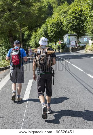 Spectators Of Le Tour De France Walking To The Col Du Tourmalet - Tour De France 2014
