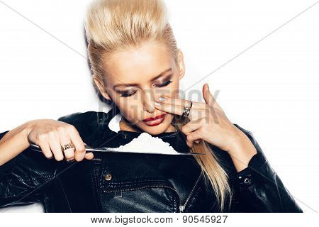 Swag Girl In Black Leather Jacket Sniffing Cocaine