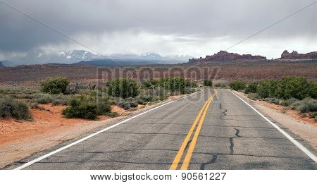 Two Lane Highway Rock Buttes Utah Wilderness United States