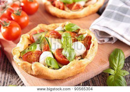 tomato quiche or pizza