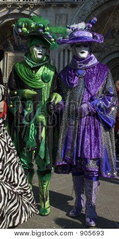 Royality púrpura y verde