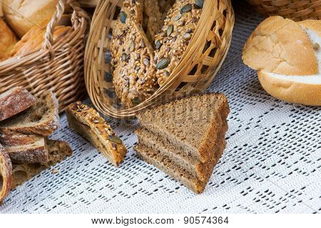Slices bread on a tablecloth