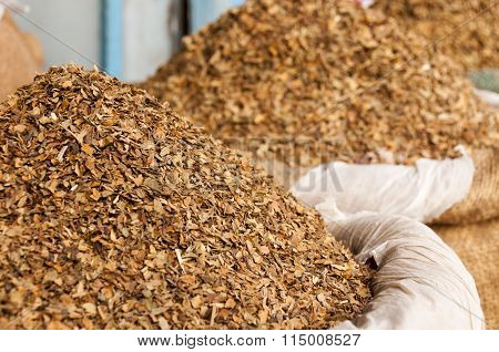 Dried Tobacco Leaves In Sacks To Sell