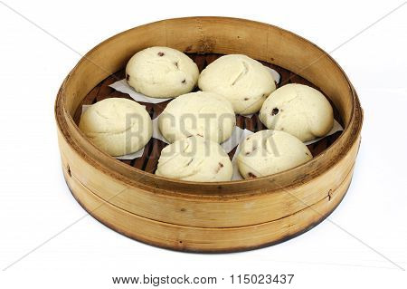 mantou in steamer, Asia style steamed bun