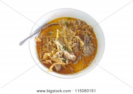 Northern Style Curry Noodle Soup with meat, Thai food