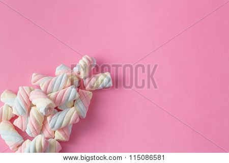 Colored Twisted Marshmallows