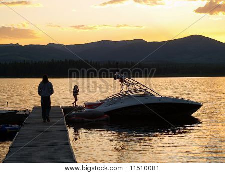 Quiet sunset at the lake