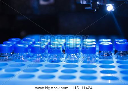 Blue Sample Vials for HPLC