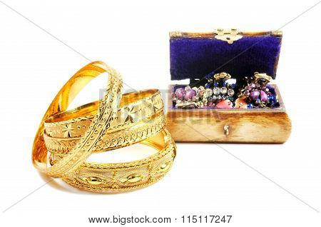 Gold and accessorys