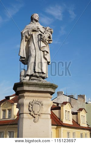 Saint Philip Benizi Statue