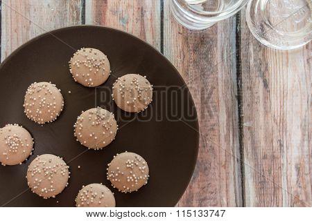 Dulce De Leche Macaron