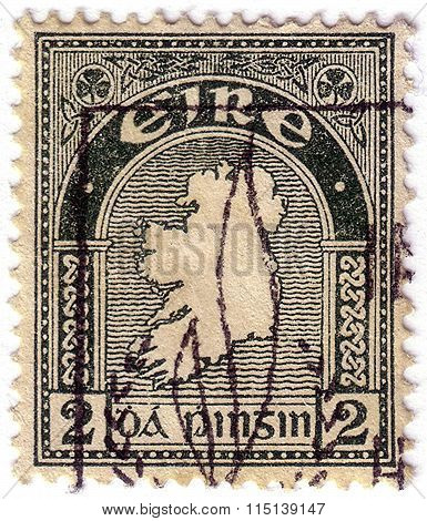 Ireland - Circa 1922: A Stamp Printed In Ireland Shows Map Of Ireland, Circa 1922