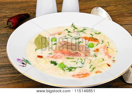 Finnish Creamy Soup with Salmon, Leeks, Salmon, Olive Oil, Cream