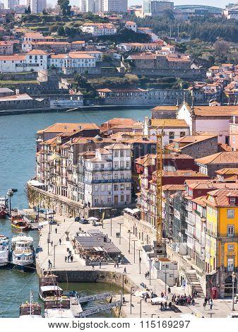 Douro Along The City