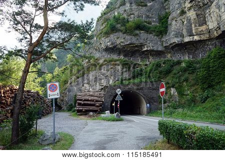 Tunel And Road