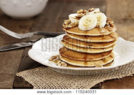 Pancakes With Fresh Bananas And Waluts