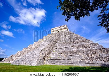 Scenic View Of Mayan Pyramid El Castillo In Chichen Itza