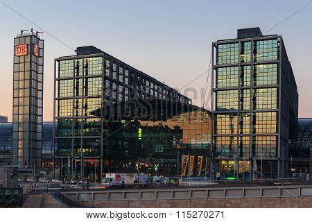 Berlin Central Station (hauptbahnhof) At Night