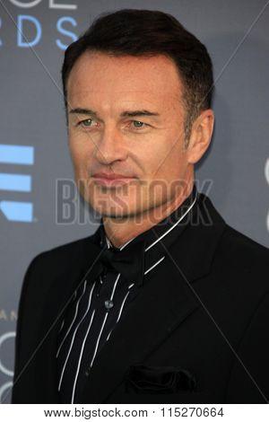 LOS ANGELES - JAN 17:  Julian McMahon at the 21st Annual Critics Choice Awards at the Barker Hanger on January 17, 2016 in Santa Monica, CA