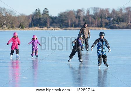 Fun Play On Ice