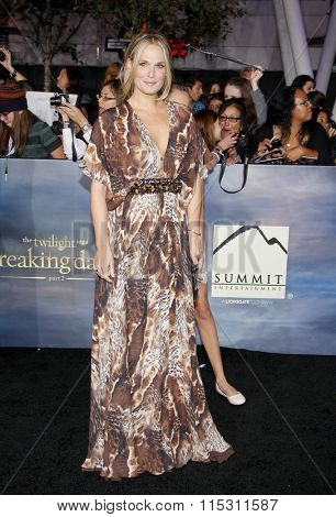 Molly Sims at the Los Angeles Premiere of