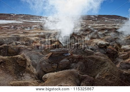 Small erption of active vulcano in Bolivia