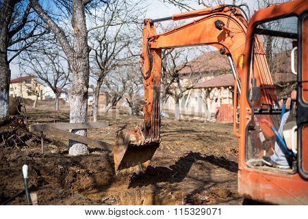 Track-type Loader Excavator Digging House Foundation
