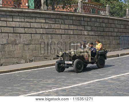 Military Retro car GAZ-64
