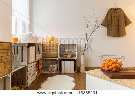 Contemporary Decor Of Spacious Living Room