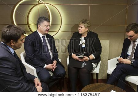 Petro Poroshenko And Erna Solberg In Davos