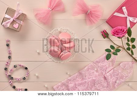 Overhead woman essentials, fashion bride pink set