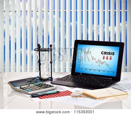 Crisis Chart On Screen Notebook