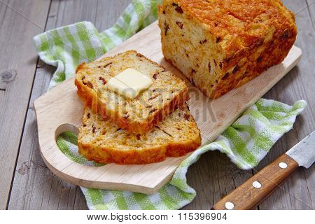 Corn bread with bacon and cheddar
