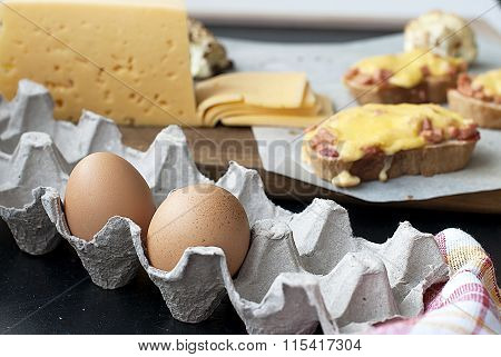 Eggs and cheese for hot sandwiches