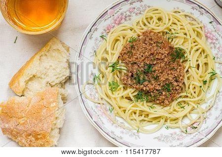 Spaghetti Bolognese, Ciabatta And White Wine