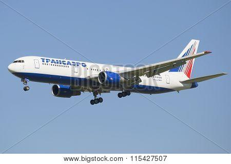 Aircraft Boeing 767-300 (EI-UNA) company Transaero before landing in Pulkovo airport
