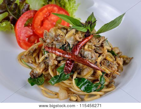 Stir Fried Spaghetti With Clams And Herbs