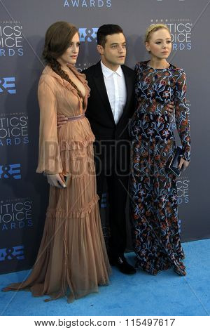 LOS ANGELES - JAN 17:  Carly Chaikin, Rami Malek, Portia Doubleday at the 21st Annual Critics Choice Awards at the Barker Hanger on January 17, 2016 in Santa Monica, CA
