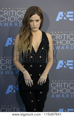 LOS ANGELES - JAN 17:  Riley Keough at the 21st Annual Critics Choice Awards at the Barker Hanger on January 17, 2016 in Santa Monica, CA