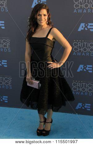 LOS ANGELES - JAN 17:  America Ferrera at the 21st Annual Critics Choice Awards at the Barker Hanger on January 17, 2016 in Santa Monica, CA