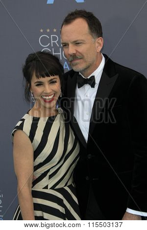 LOS ANGELES - JAN 17:  Constance Zimmer, Russ Lamoureux at the 21st Annual Critics Choice Awards at the Barker Hanger on January 17, 2016 in Santa Monica, CA
