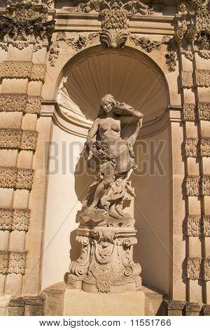 Escultura de ninfa, Palácio Zwinger